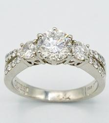 Amazing Quality Platinum 1+ctw Diamond Ring