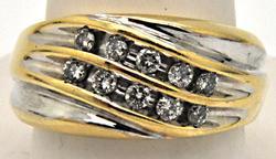 MEN'S 14 KT GOLD DIAMOND RING/BAND.