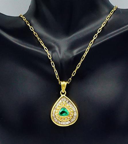 DIAMOND & EMERALD PENDANT NECKLACE
