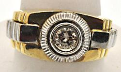 MEN'S 14 KT TWO TONE SOLITAIRE DIAMOND RING.