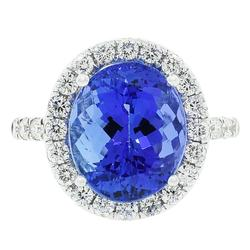 Gorgeous 7.59cttw. Tanzanite and Diamond Ring
