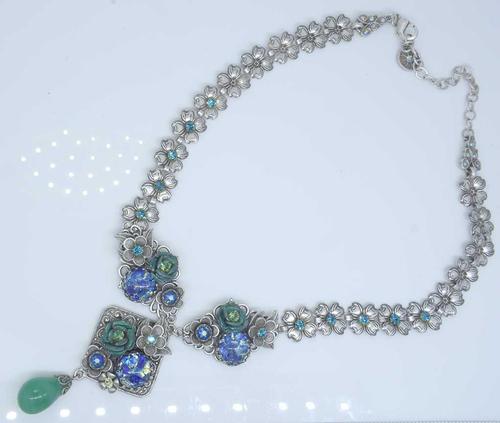 Unique & Stunning Blue Roses Necklace