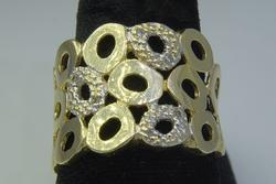 Groovy Diamond Band in Gold