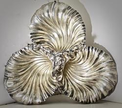 Elaborately Designed Antique Clam Shell Serving Dish