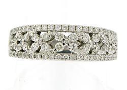 Gorgeous 18kt Open Flower X Design Ring