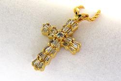 Incredible Diamond Cross in Gold on 20-Inch Chain