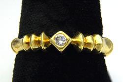 Unique 18KT Diamond Ring