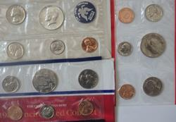 2 Each 1965 71- 73 81 &87 US Mint Sets with Orig Envelope