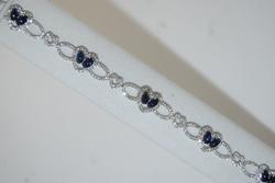 18kt Gold Blue Sapphire & Diamond Bracelet