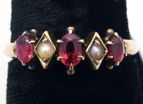 Garnet & Pearl Accent Ring in Gold
