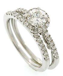 Gorgeous 1.36ctw Diamond Bridal Set