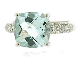 Beautiful Aquamarine and Diamond Shank Ring