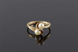 10KT Yellow Gold Pearl Ring