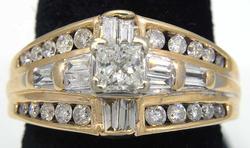 Flashy 1.0CTW Diamond-Encrusted Ring in Gold