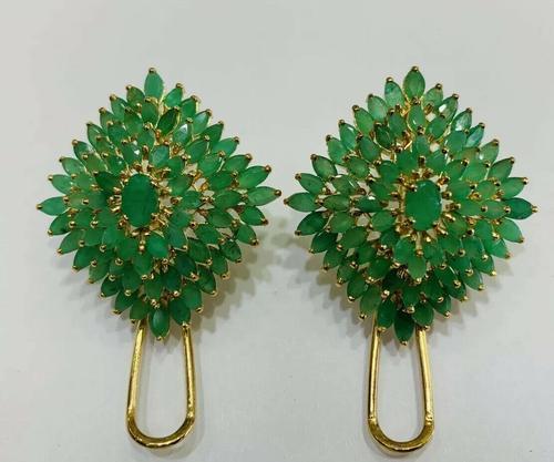 20.0 Carat Emerald Earrings in 14kt Yellow Gold