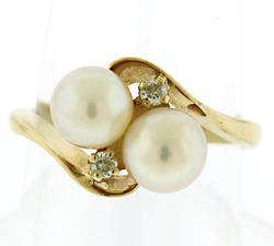 Lovely Double Pearl Ring w Diamond Accent