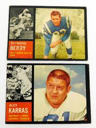 2 Topps 1962 Football Cards