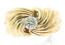 Gorgeous Round Brilliant Cut Diamond Ring