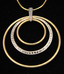 Incredible Two Tone Hoop Pendant w/16 Inch Chain, 14KT