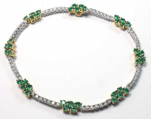 Gorgeous 18KT 1.16CTW Diamond & 2.15CTW Emerald Bracelet