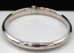 14KT White Gold Bangle