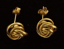 Elegant Interlocking Circles Earrings