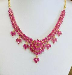 20.00 Carat Ruby Necklace in 14kt Gold