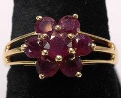 Cute 1.8CTW Ruby Flower Ring in Gold