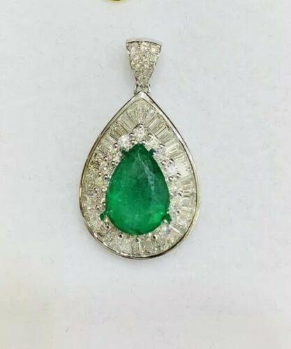 18kt Gold Emerald & Diamond Pendant