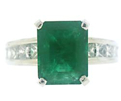 Glamorous Emerald w Channel Princess Diamond Ring