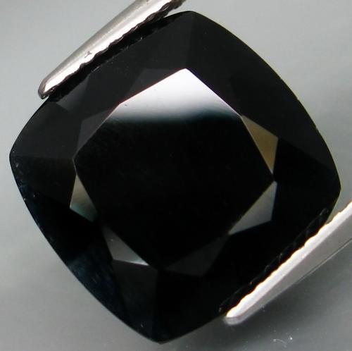Elegant 14.21ct heated only black Sapphire