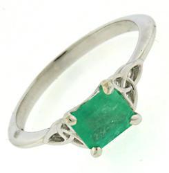 Stunning Emerald Celtic Trinity Knot Ring