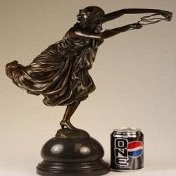 Art Deco Pose Bronze Sculpture