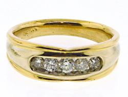 Gents apx .50ctw Diamond Yellow Gold Ring
