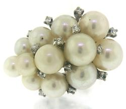 Classy Pearl and Diamond Ring