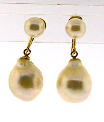 Pretty 18kt Screw Back Dangle Pearl Earrings