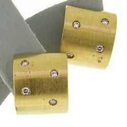 Charming 18kt Diamond Wide Brused Huggies Earrings