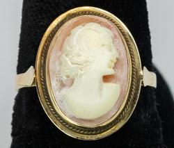 Nice 14KT Yellow Gold Cameo Ring