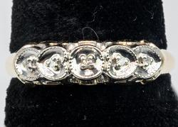 Sweet Diamond Band in 14KT Yellow Gold