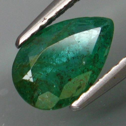 Outstanding emerald green 1.09ct pear cut Emerald