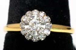 Beautiful Vintage 18KT Diamond Ring