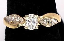 Beautiful Diamond Ring in 14KT Yellow Gold