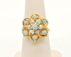 LADIES 14 KT YELLOW GOLD OPAL RING