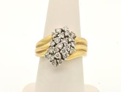 LADIES 14 KT GOLD DIAMOND CLUSTER RING