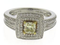Fantastic 18kt Princess Cut Diamond Engagement Ring