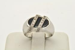 MENS 14 KT WHITE GOLD ONYX AND DIAMOND RING