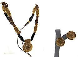 22kt Set of Beaded Necklace and Earrings