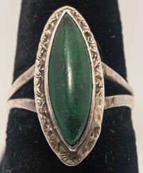 Vintage Green Stone Ring in Sterling Silver