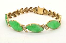 18k gold Gorgeous Bracelet With Large Jades