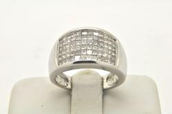 14 KT WHITE GOLD WIDE DIAMOND BAND. 1.50 carat tw.